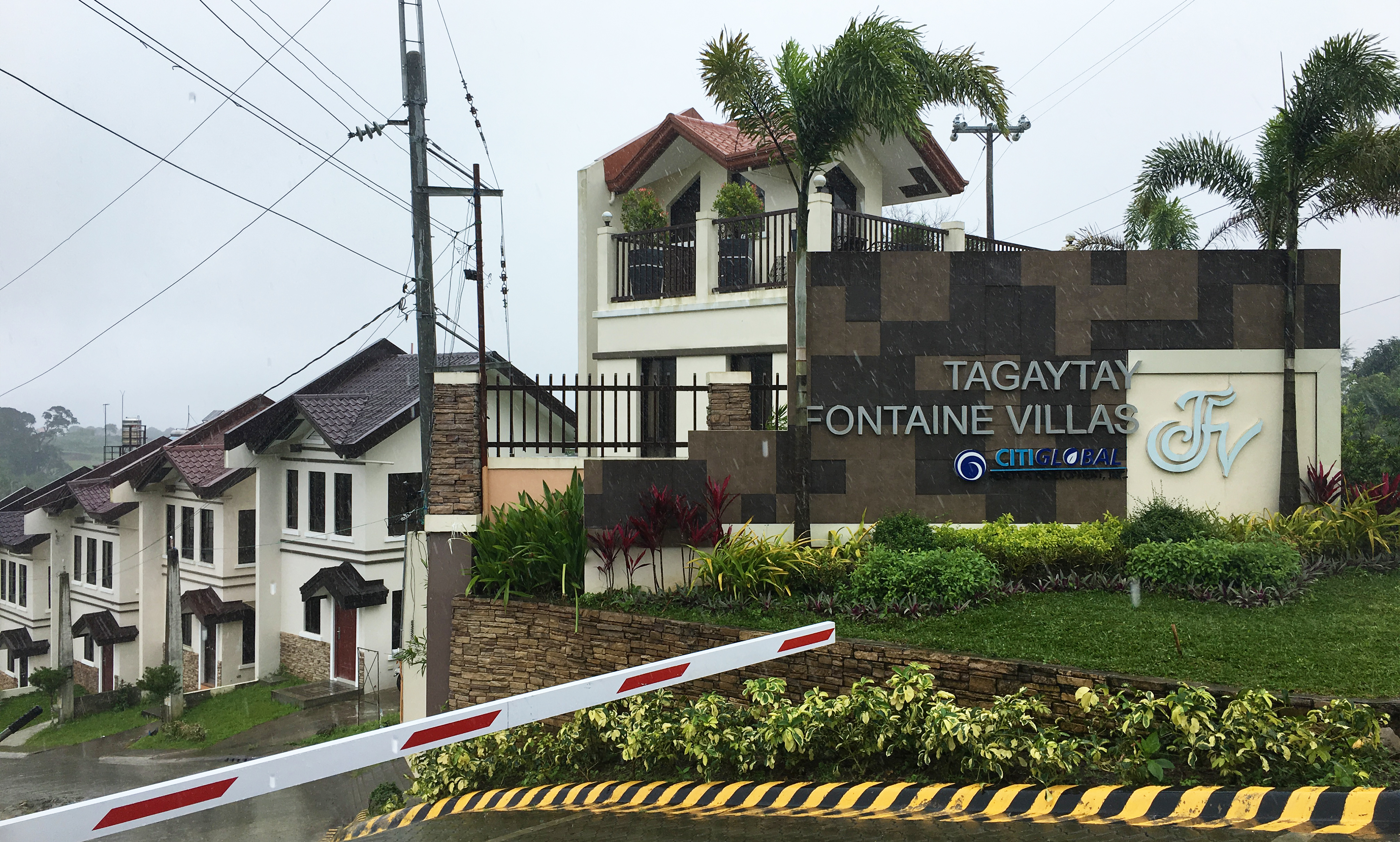 Entrance of Tagaytay Fontaine Villas